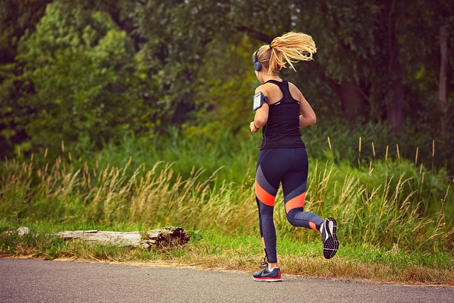 běžící dívka.jpg