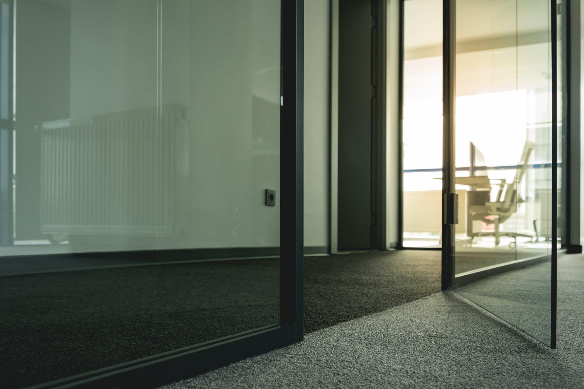Posuvné dvere sú dizajnovo zaujímavé a praktické